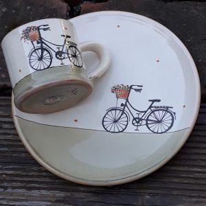 Kerámia tányér női virágkosaras bicikli dekorral