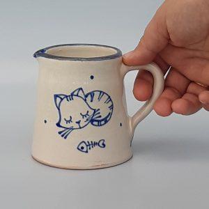 Kék állatos kerámia kiöntő cicás dekorral – kicsi