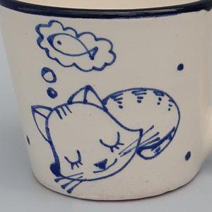 Kék állatos szűkülő falú kerámia bögre álmodó cicás dekorral – közepes #21