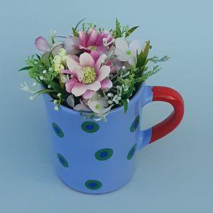 Kerámia bögre tartós virágkompozícióval #KP2