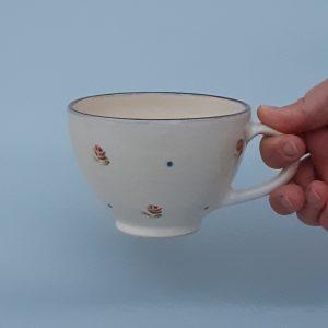 Rózsás kerámia csésze