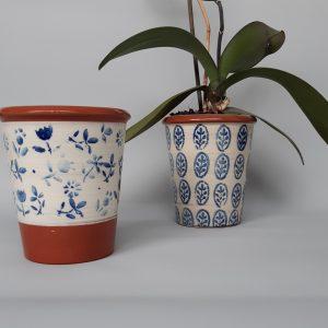 Kerámia kaspó kék virág mintával